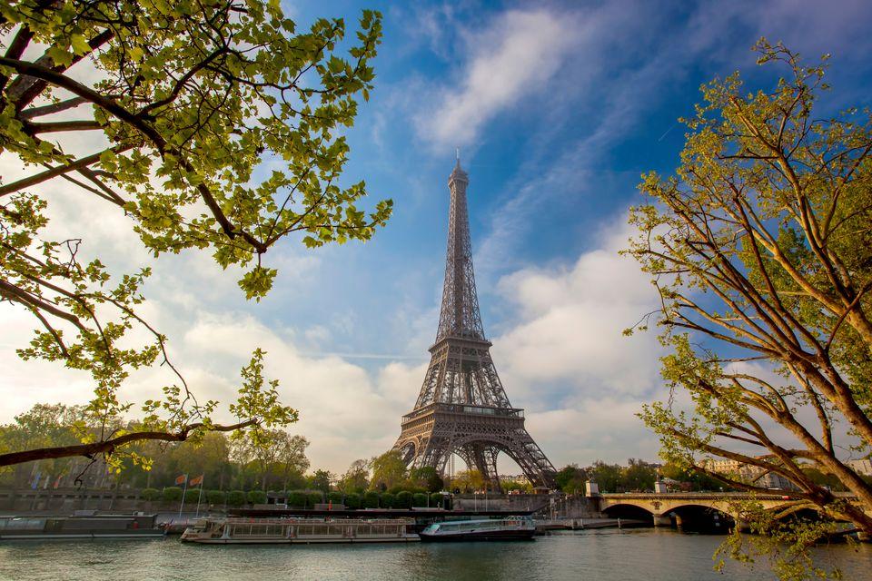 presupuesto para cinco días en paris, cuanto dinero necesito para viajar a paris, cuanto dinero necesito por día en paris, cuantos euros debo llevar a paris, cuanto debo ahorrar para viajar a paris, viajar a paris barato
