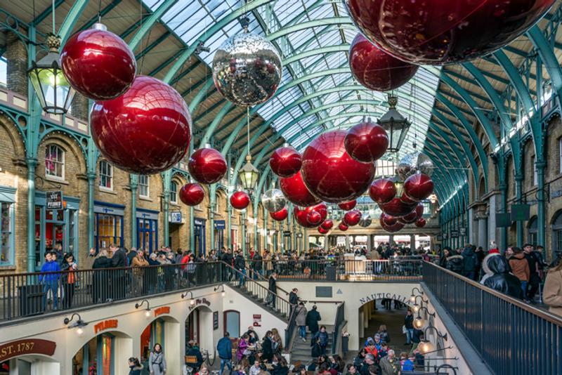 Рождественские украшения в Ковент-Гарден, Лондон