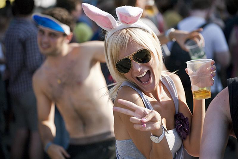 Девушка на фестивале Sziget в Будапеште