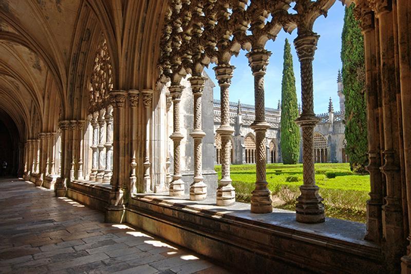 Резьба по камню в монастыре Батальи, Португалия