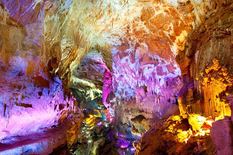 Зал пещеры Сатаплия, Кутаиси, Грузия