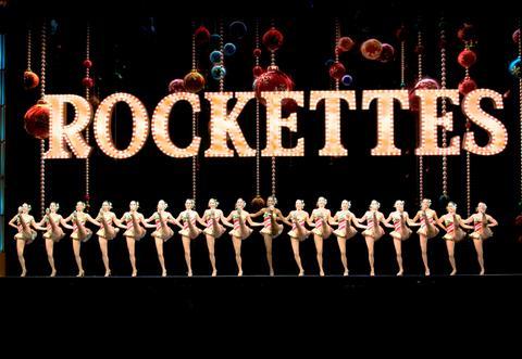 las rockettes en el radio city christmas spectacular
