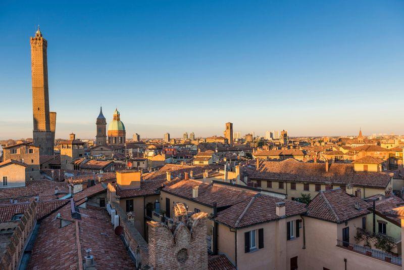 Bologna, veduta della città