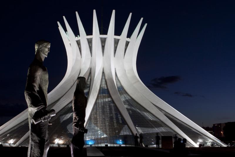 Собор Девы Марии в Бразилиа, Бразилия