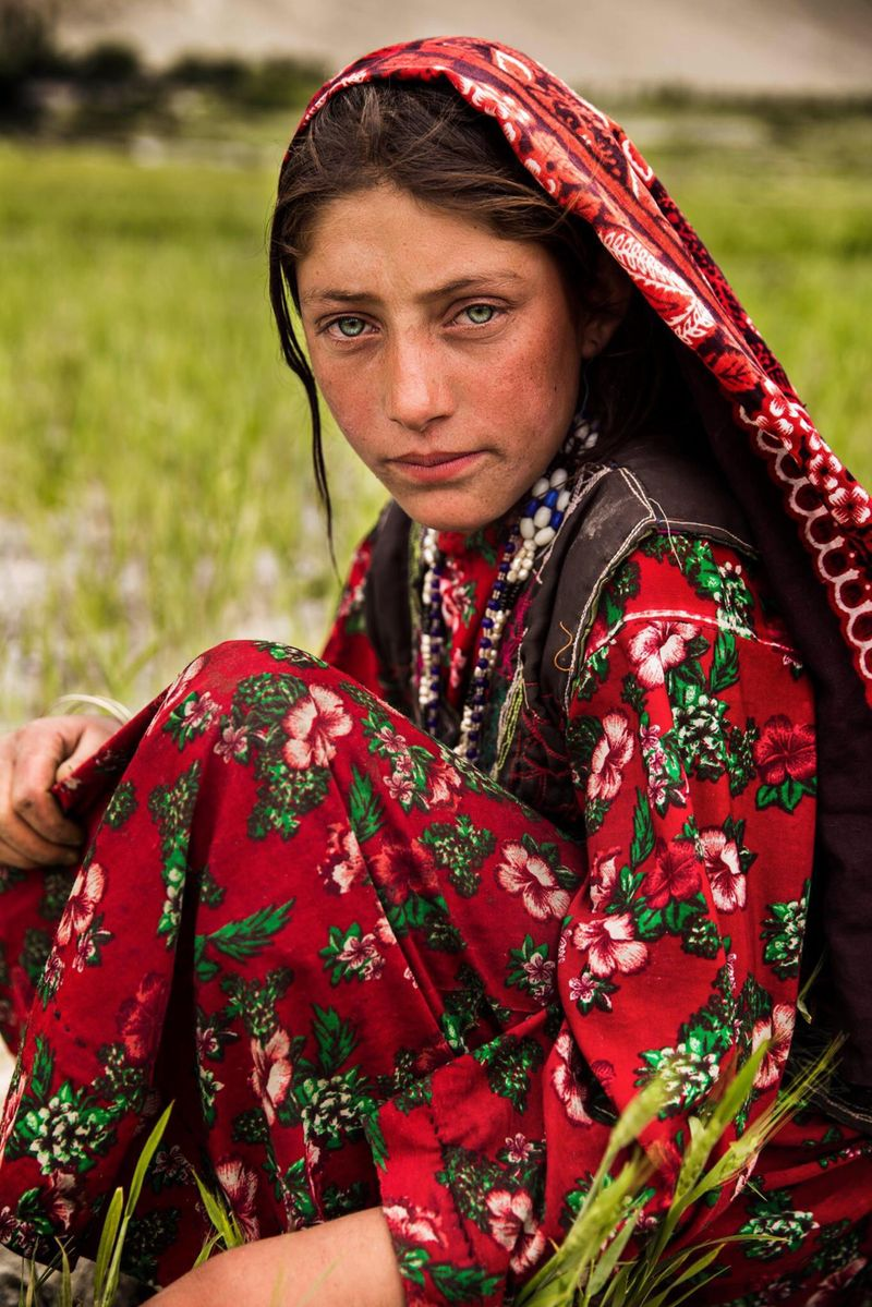 "Афганская женщина из фотопроекта Михаэлы Норок ""Атлас красоты"""
