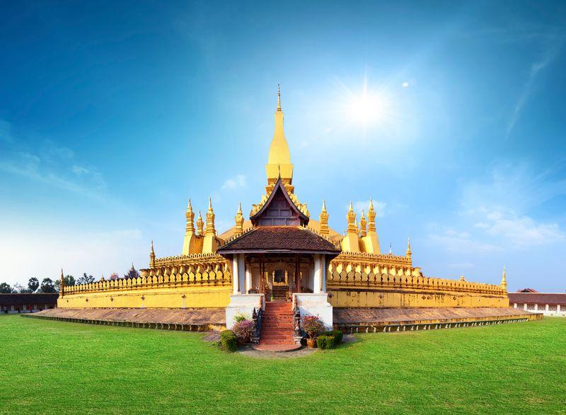 Phra That Luang Temple, salah satu landmark di Vientiane, Laos