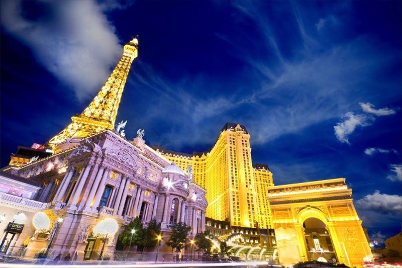 Oder doch lieber nach Paris inklusive Eiffelturm-Nachbau?