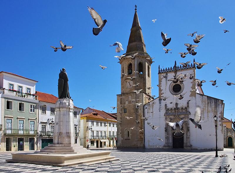 Церковь в Томаре, Португалия