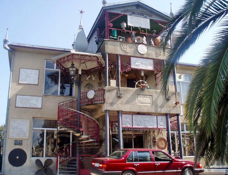 Дом купца и фаэтон-Мерседес, Абхазия