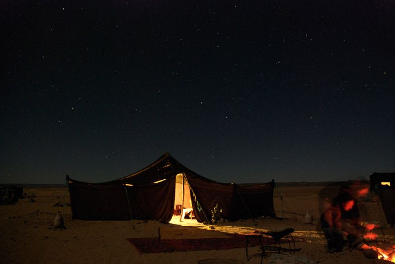 Ночевка в Сахаре, Марокко