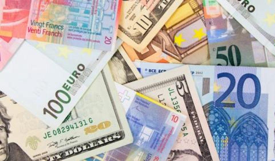 O changer ses euros en dollars canadiens en France et au Canada