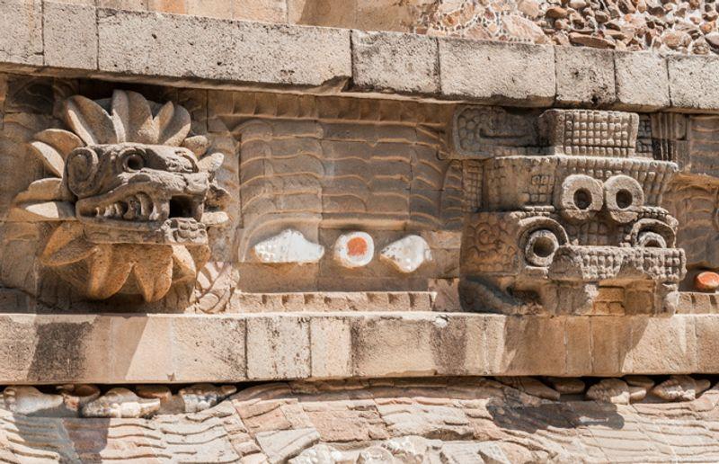 Храм Кетцалькоатля в Теотиуакане, Мексика
