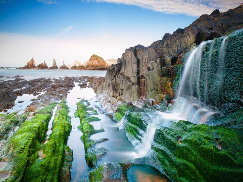 La preciosa costa asturiana, la playa de Gueirua