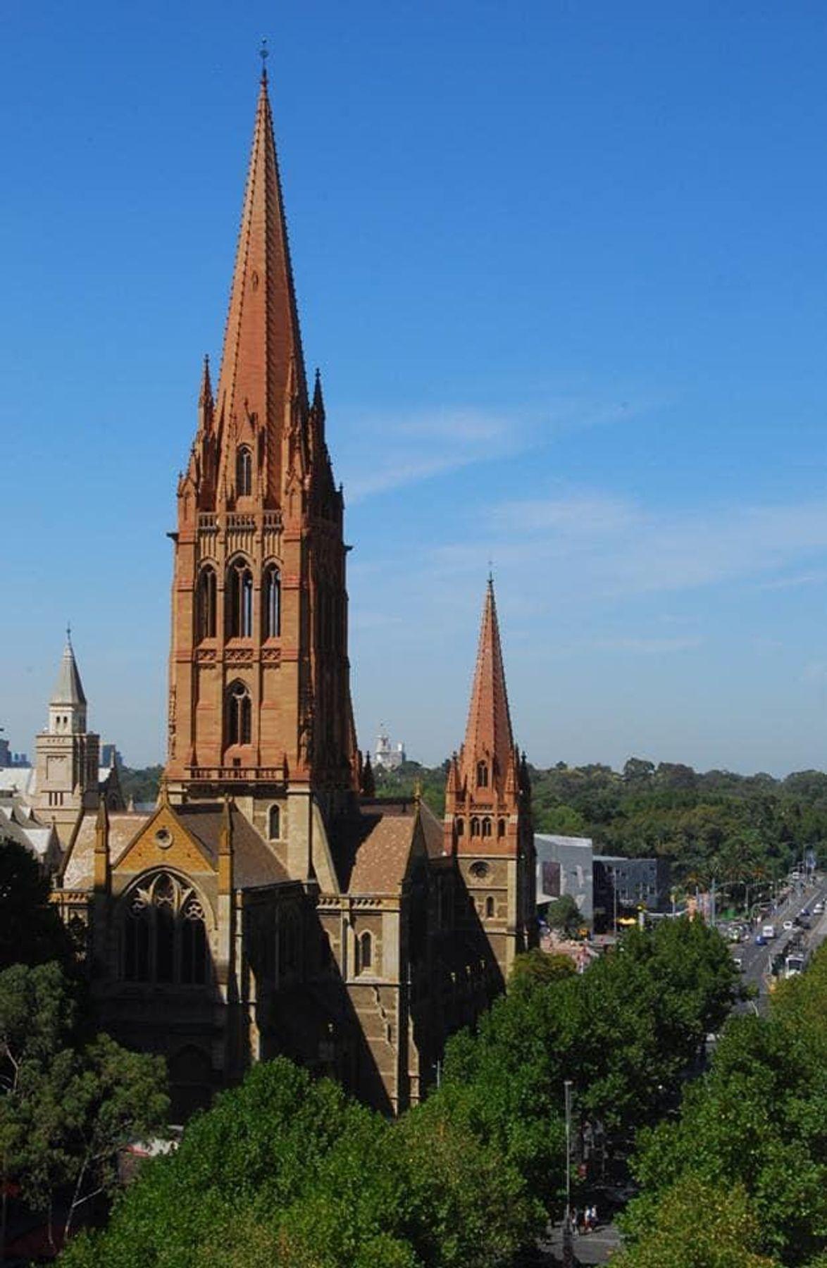 哥德式教堂建築,精緻典雅。(圖片取自澳洲聖保羅教堂官方FB粉絲團)