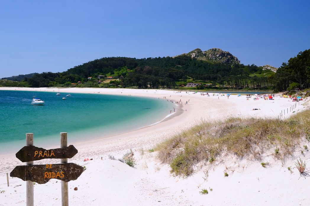 Εξωτικό σκηνικό στα νησιά Θίες, στην παραλία Rodas, Γαλικία, Ισπανία
