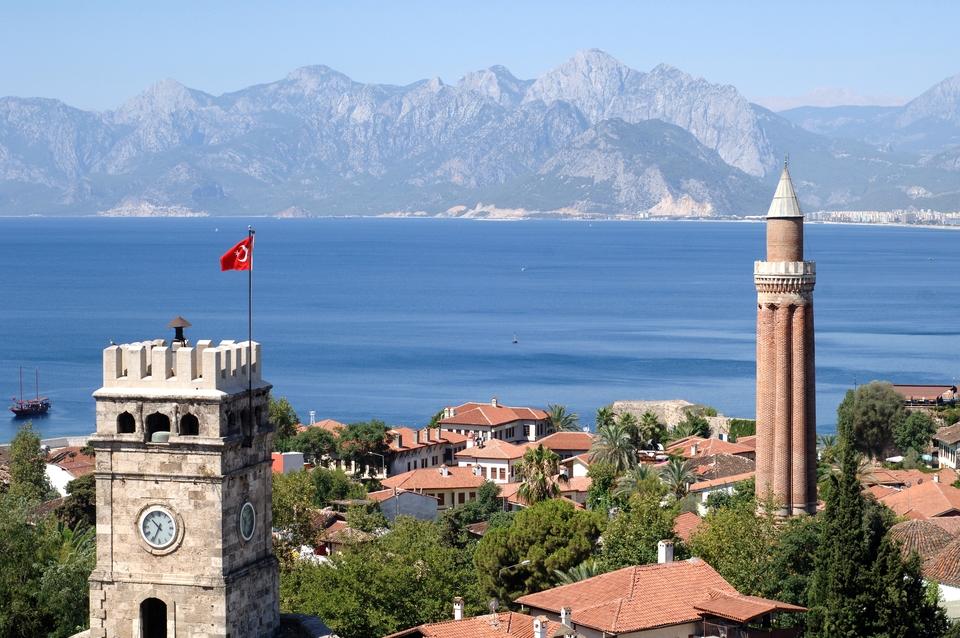 Yivli Minaret Moske i Antalya