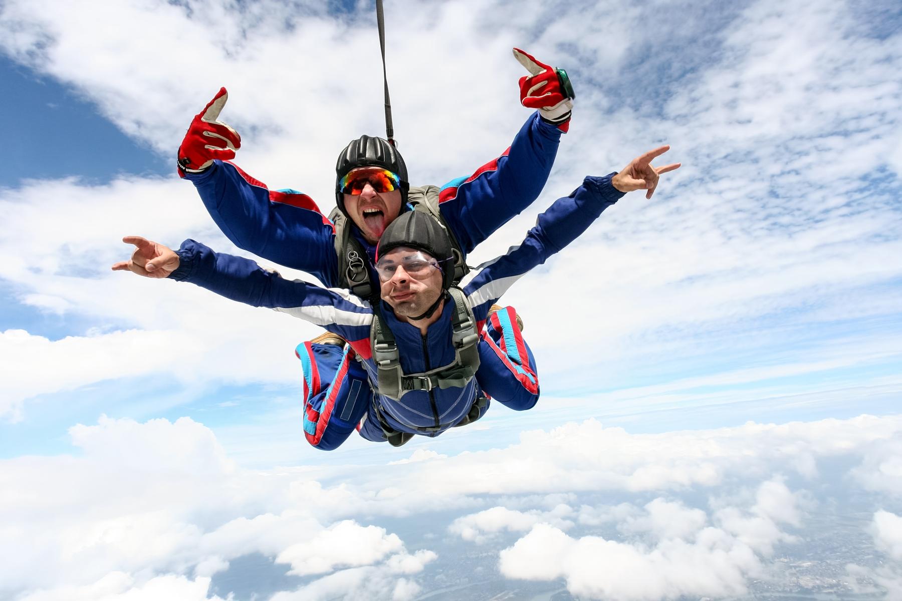 Saltar de paraquedas em Boituva é puro turismo de aventura!