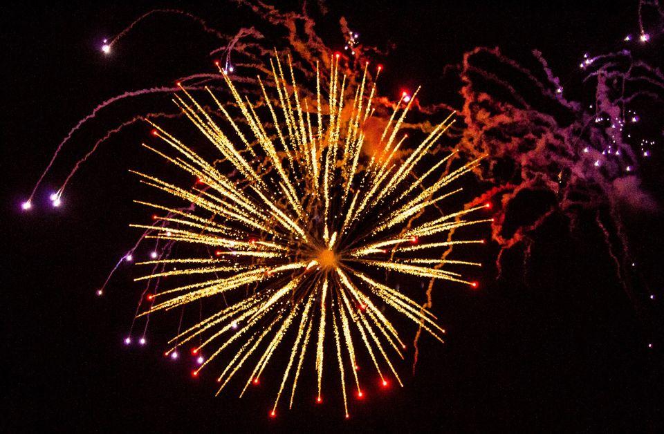 Πυροτεχνήματα - το Πάσχα στην Κάλυμνο είναι βροντερό
