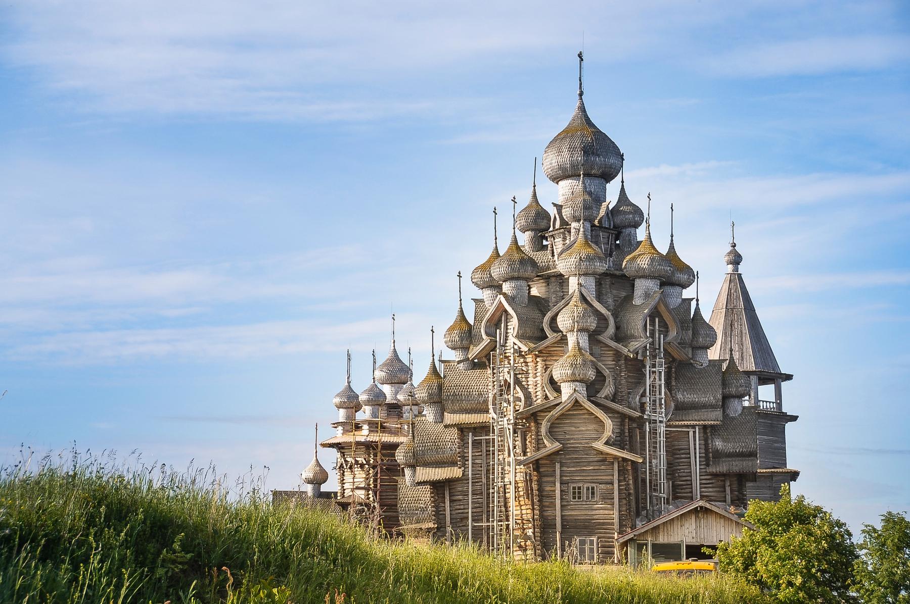 Церковь Преображения Господня — православный храм, памятник архитектуры федерального значения, расположенный на территории музея-заповедника «Кижи», входит в состав храмового комплекса Кижского погоста