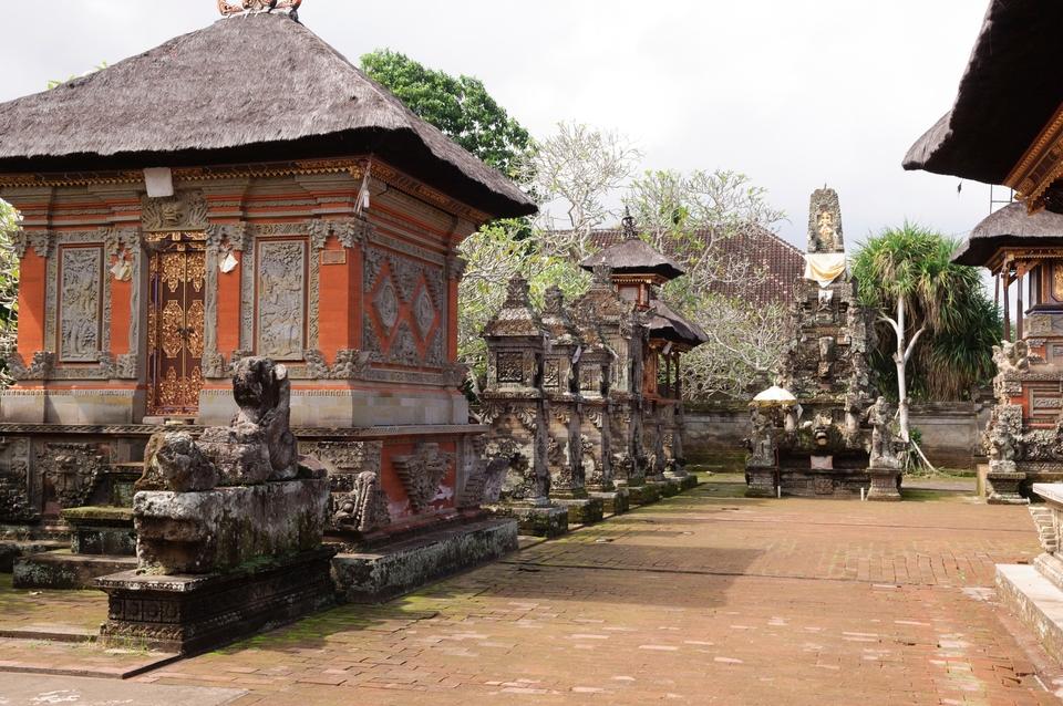 Regenzeit vermeiden: Bali und Indonesien, Touristenmassen