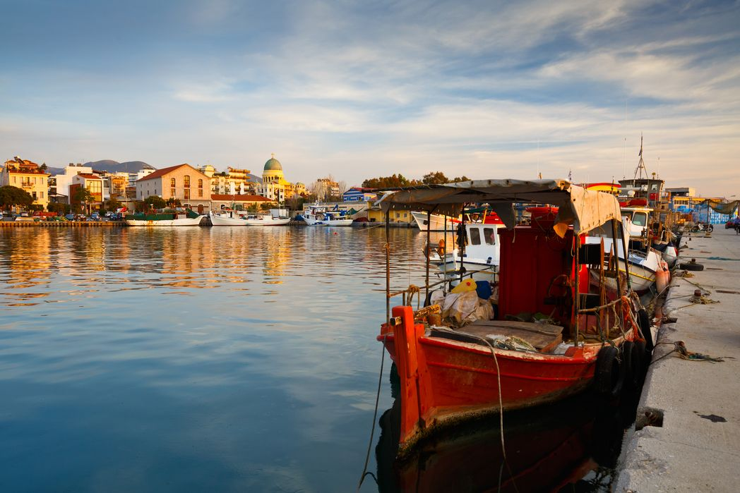 Καϊκια στο λιμάνι - τα καλύτερα tips για βιώσιμο τουρισμό