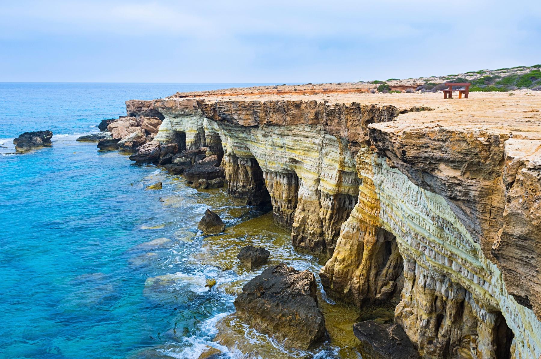 Въезд на Кипр для россиян и дешевые билеты на Скайсканере