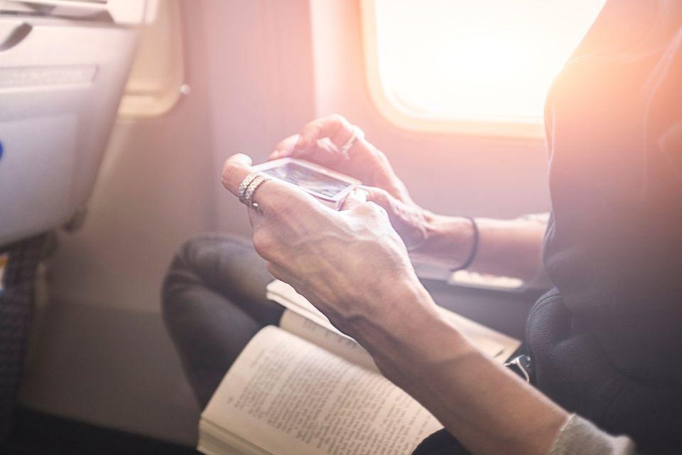 Zaskakujące rzeczy, które możesz zabrać do samolotu