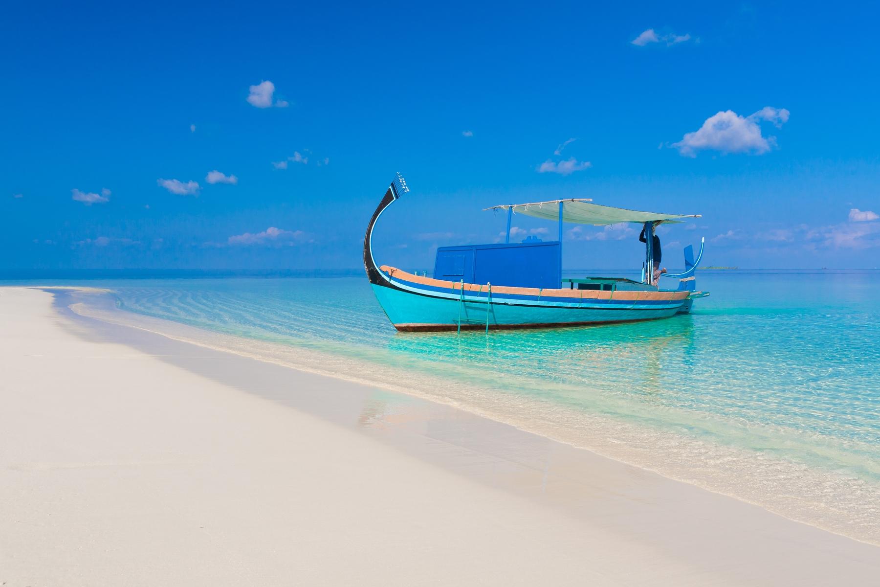 Как передвигаться между островами на Мальдивах