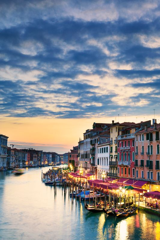 Sunset in the Grand Canal - 8 best things to do in Venice, Italy
