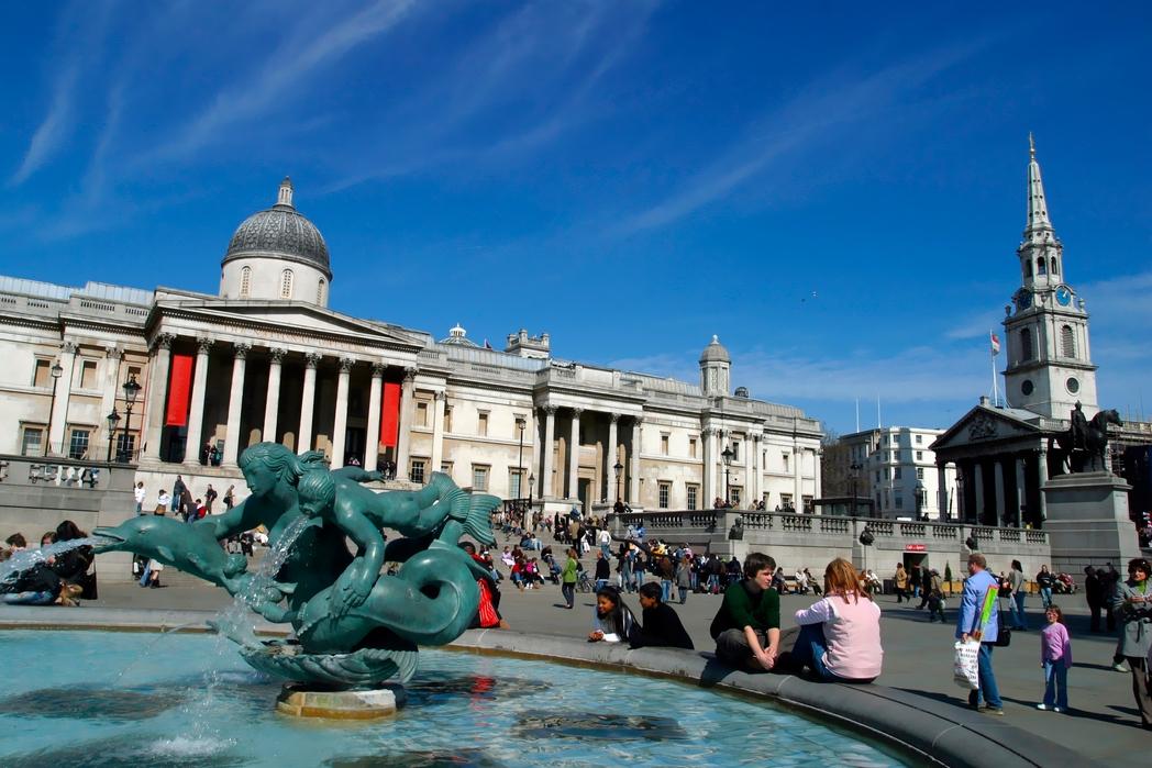 Άποψη της Πλατείας Τραφάλγκαρ του Λονδίνου*