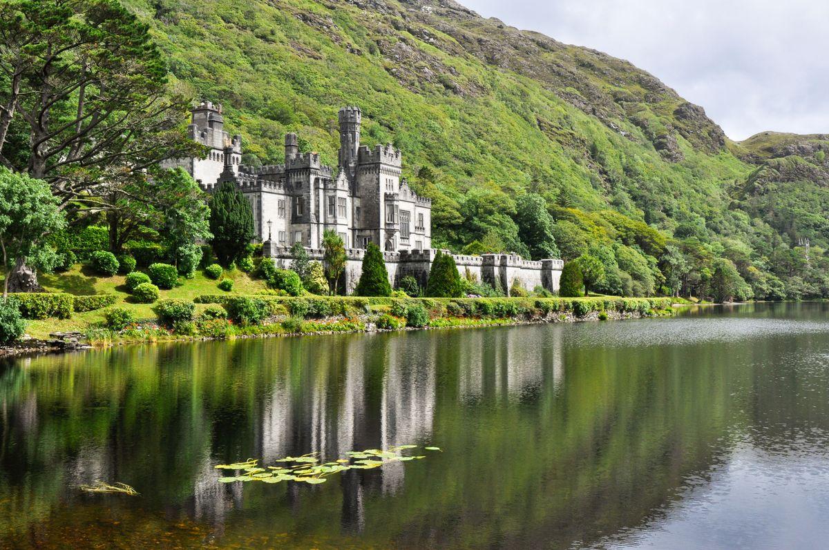 Το αββαείο Kylemore κοντά στο πάρκο Connemara.