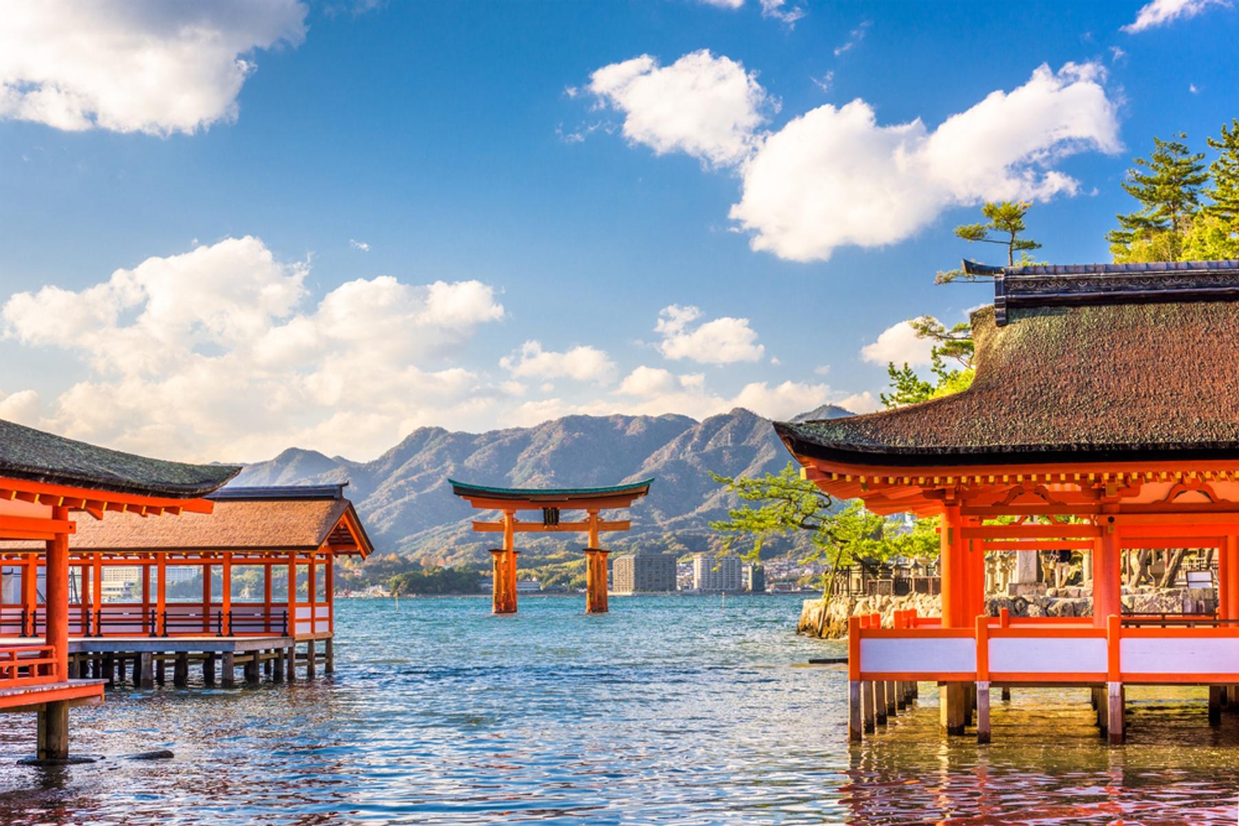 日本旅遊警示為第三級(警告:Warning),建議不宜前往,宜儘速離境