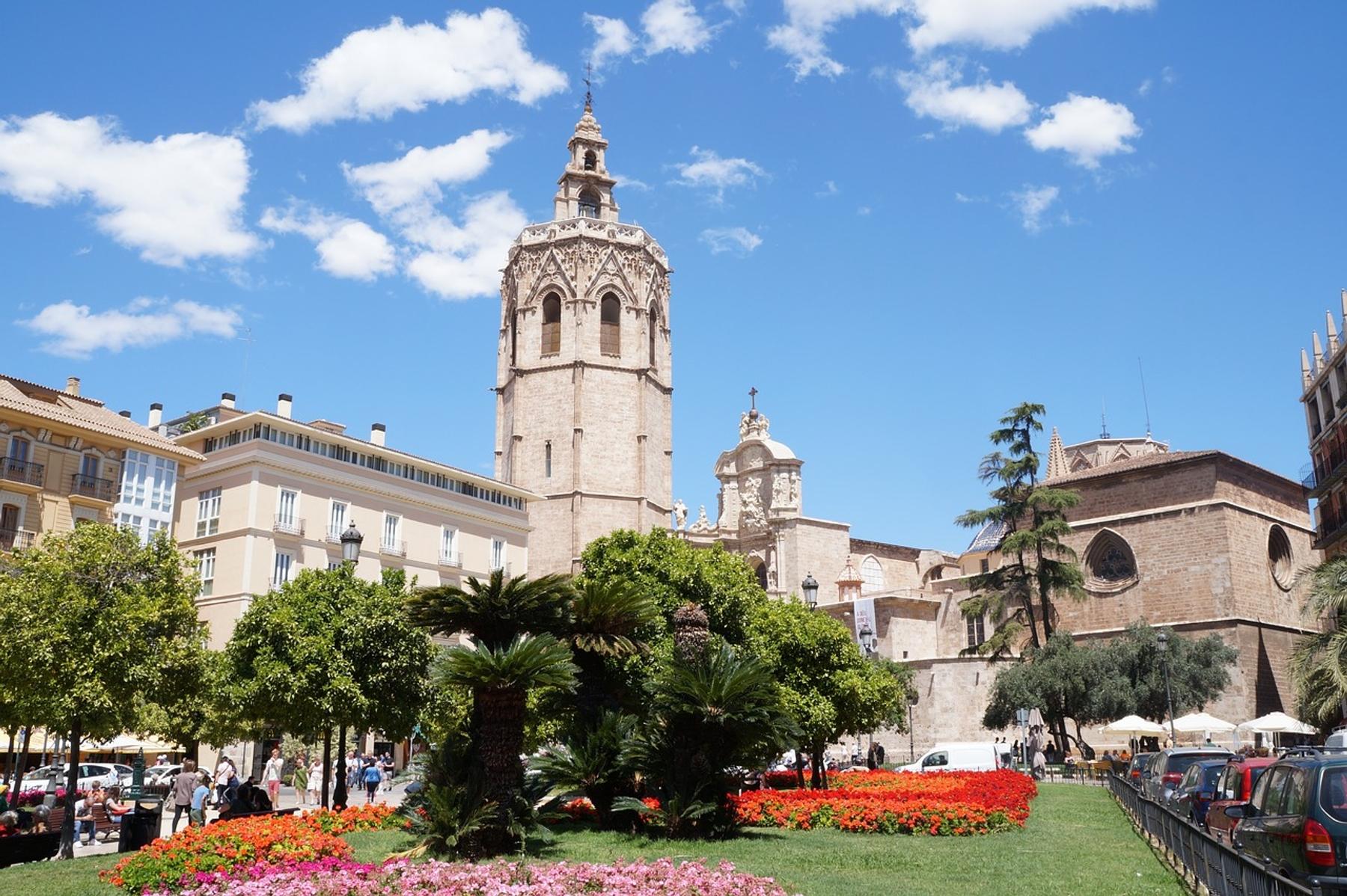 catedral de Valencia en primavera