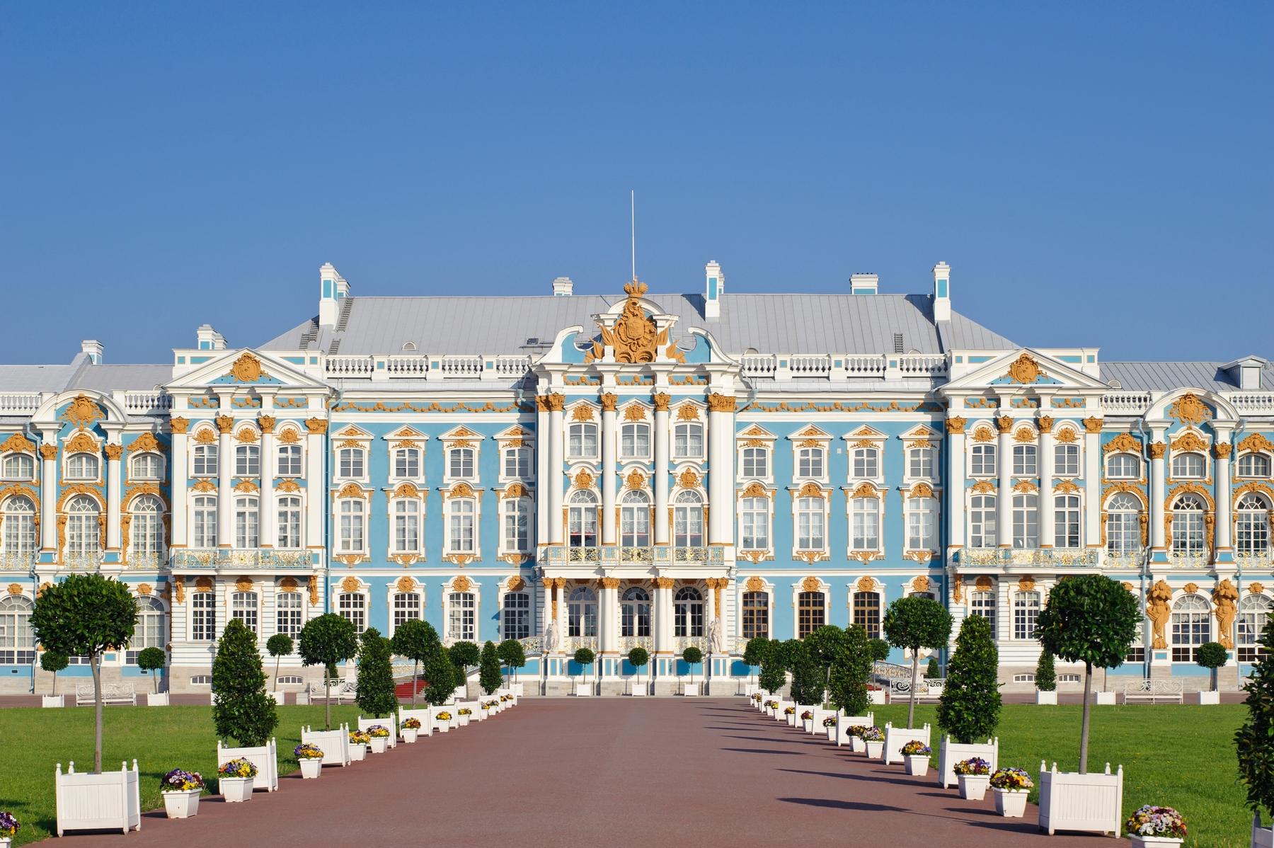 Дворцы и парки России: в списке самых впечатляющих — Екатерининский дворец в Царском Селе