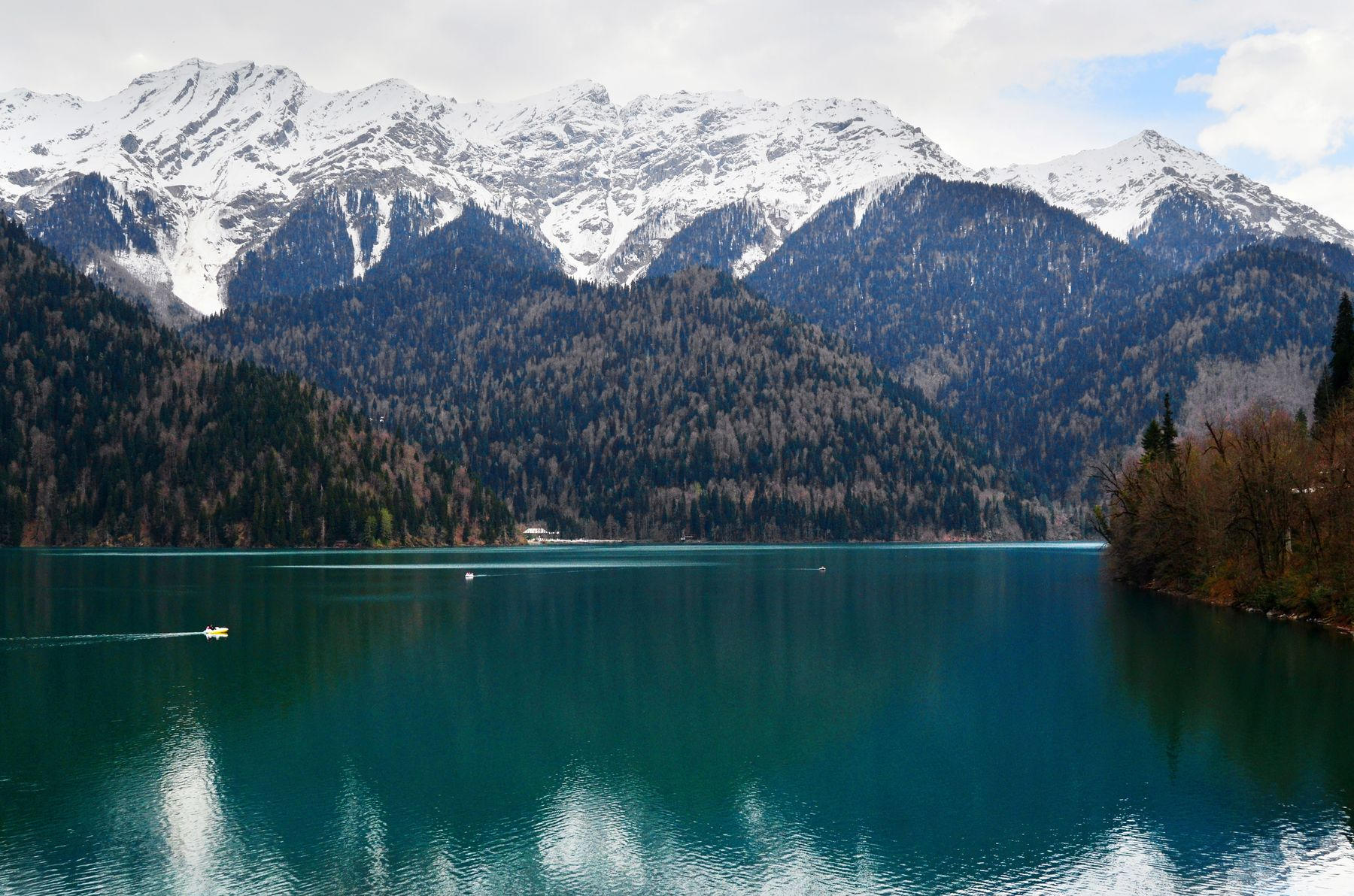 Из Сочи на машине. Озеро Рица в Абхазии