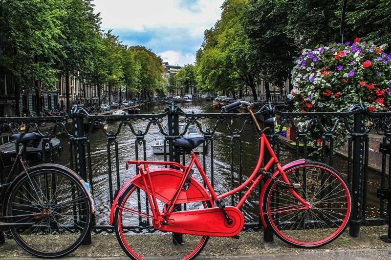 Cycle your way in Amsterdam - אמסטרדם