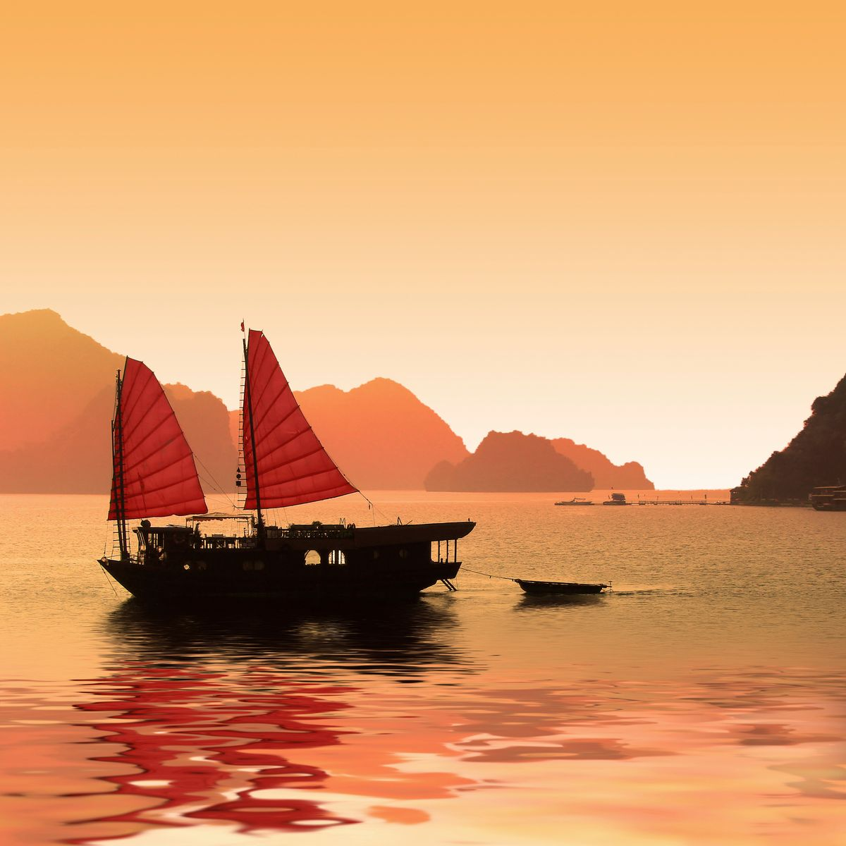 Κρουαζιέρα με παραδοσιακό πλοίο στον Κόλπο Χα Λονγκ