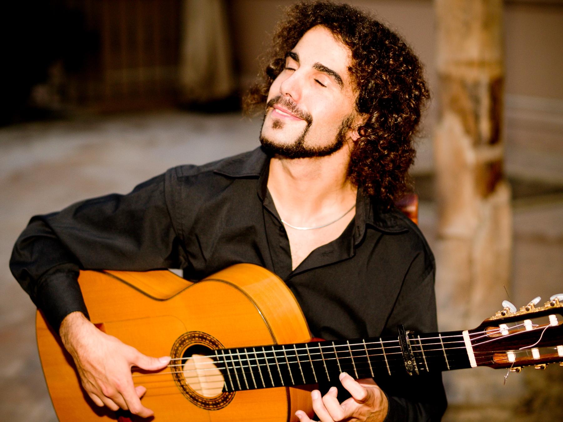 Cada noche El Mantoncillo ofrece el mejor flamenco en Sevilla