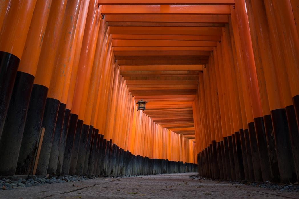 Παραδοσιακή πύλη torii στην Ιαπωνία