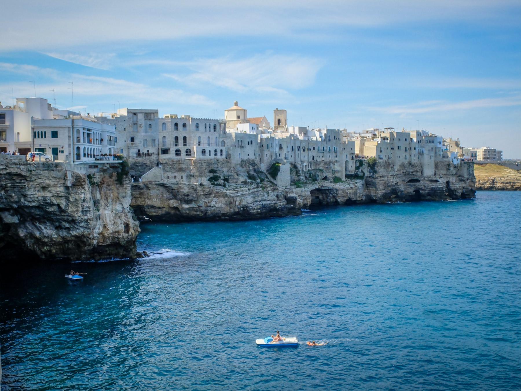 Cosa vedere Polignano a Mare: le grotte marine
