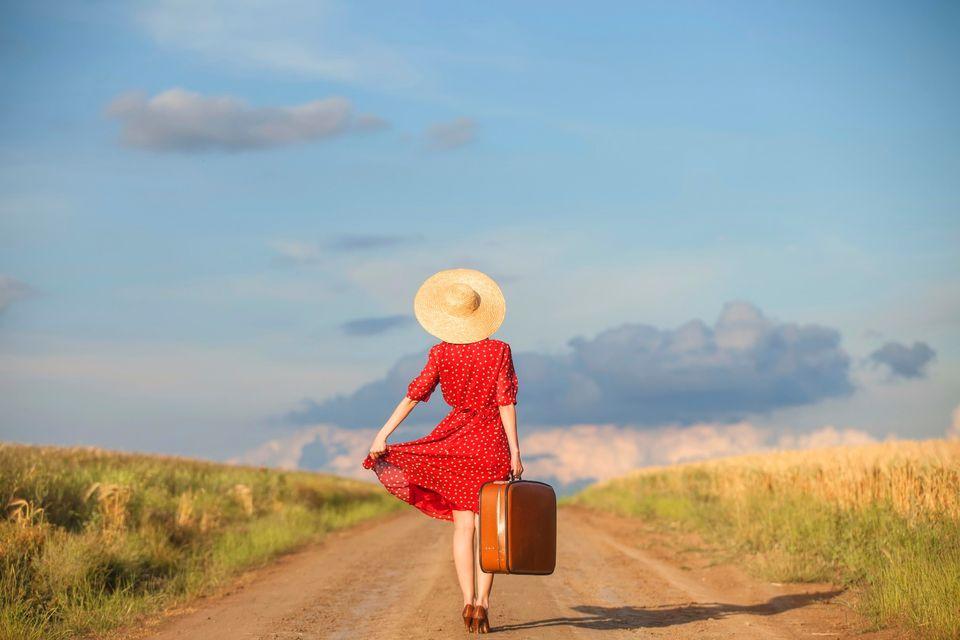 Ciach walizkę i w drogę, konsumować dni wolne od pracy.