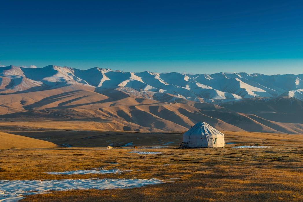 Ένα παραδοσιακό σπίτι γιουρτ στη Μογγολία - ταξίδι με τον Υπερσιβηρικό Σιδηρόδρομο