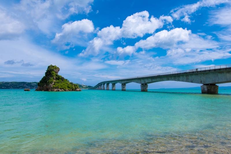 古宇利島(沖縄県) 絶景ドライブが待つ古宇利大橋