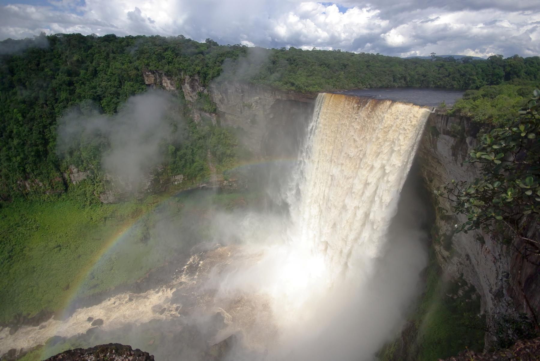 Самые живописные водопады планеты — Кайетур (Kaieteur Falls) в Гайане