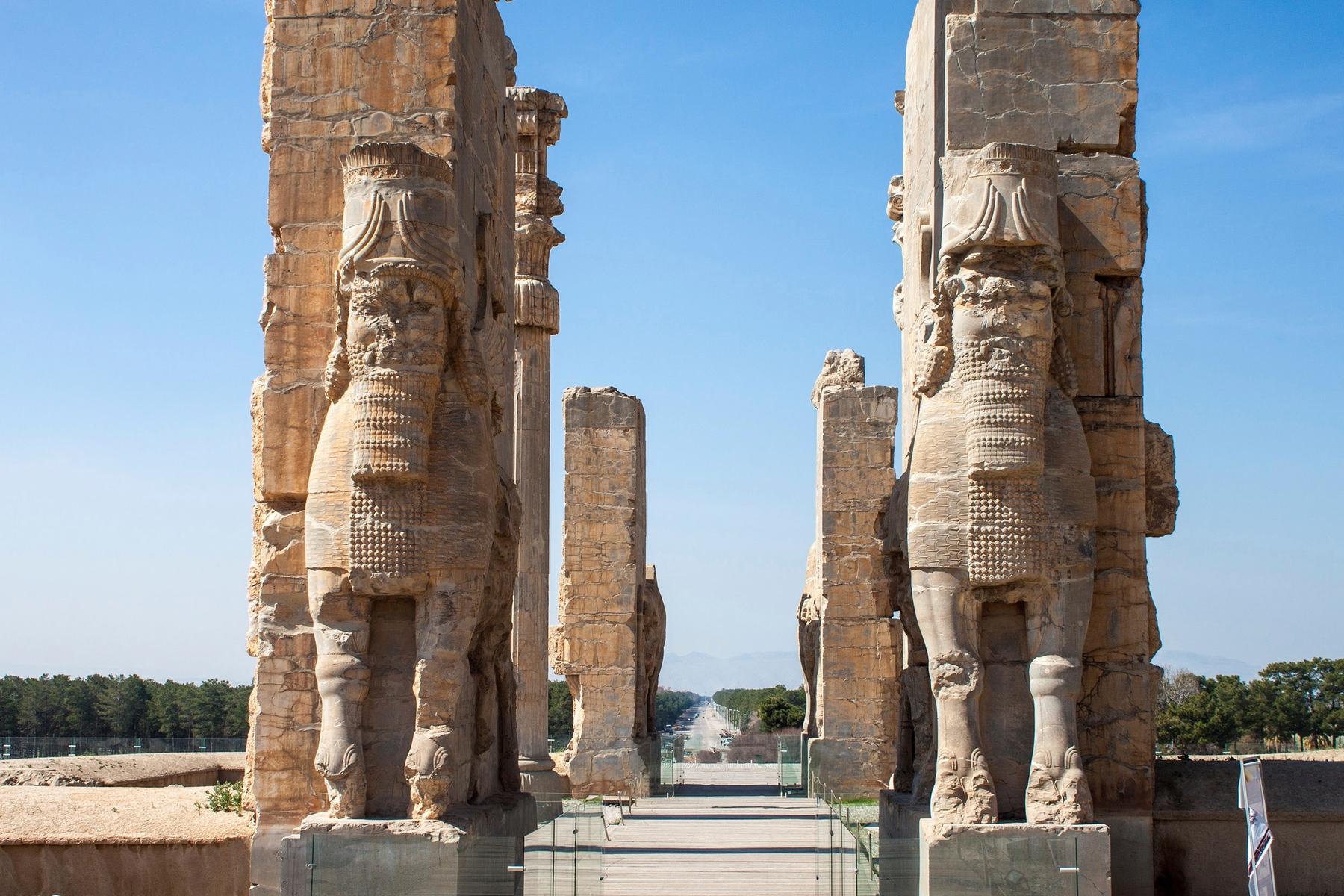 Ворота Ксеркса, или Ворота всех наций в древнем городе Персеполисе в Иране
