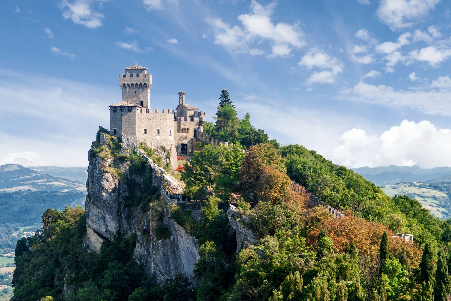 Три башни Сан-Марино (итал. Torri di San Marino) — средневековые строения на трех вершинах горы Монте-Титано