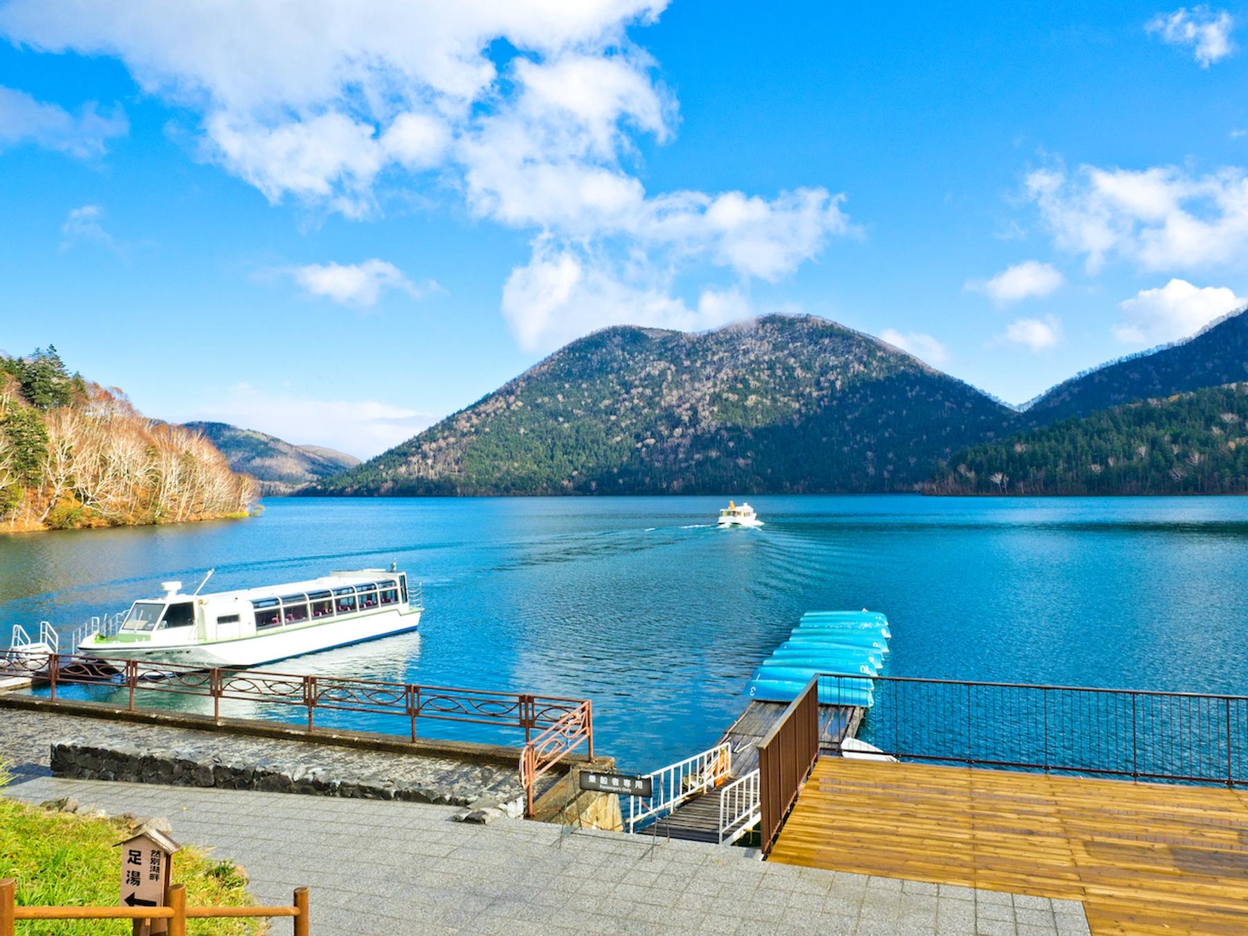 北海道 然別湖の観光船