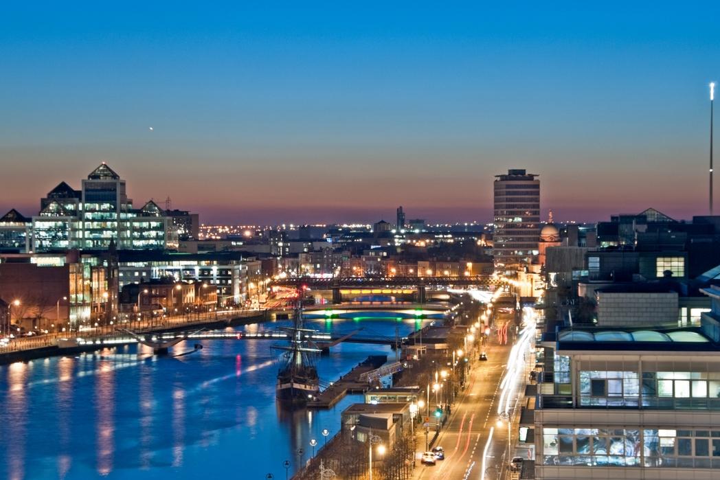 City Breaks and Weekend Breaks Ireland - Dublin City by night