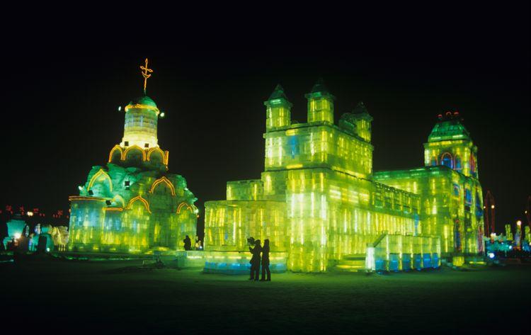 Το περίφημο Harbin Ice & Snow Festival τη νύχτα, Κίνα - οι καλύτεροι χειμερινοί προορισμοί στο εξωτερικό