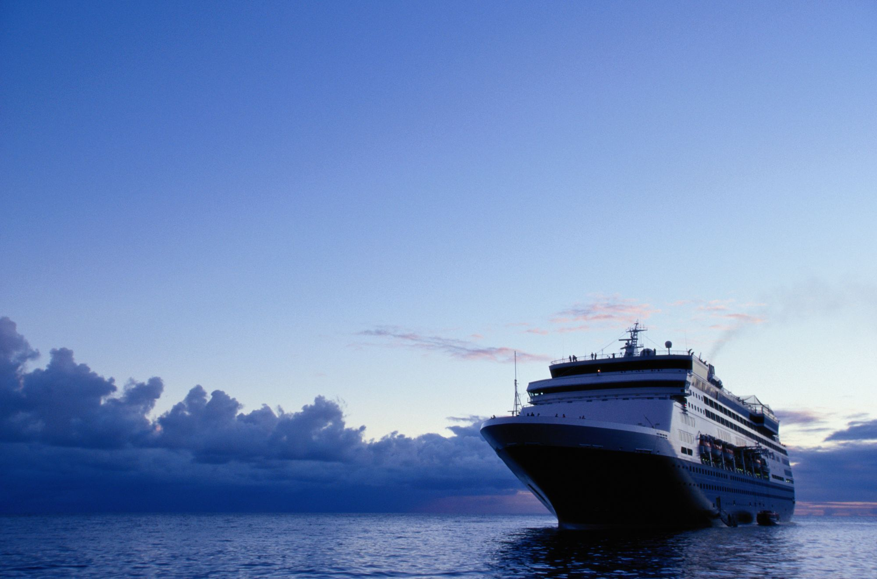 Κρουαζιερόπλοιο στη θάλασσα